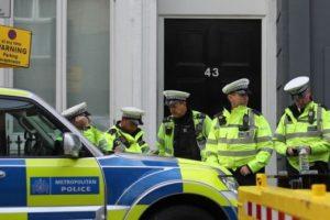 Policia hap zjarr ndaj personit që goditi makinën e ambasadës ukrainase në Londër