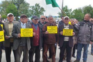Minatorët e Pogradecit protestë: Të gjitha qeveritë kanë gënjyer