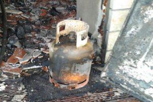 Shpërthen bombola e gazit në Selenicë, shtëpia në flakë, gruaja në gjendje të rëndë
