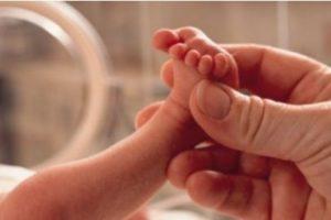 Vazhdon rënia e lindjeve dhe shtimit të popullsisë në Shqipëri