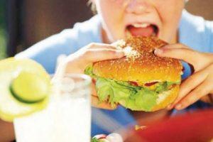 Alarmi! Shqipëria e rrezikuar nga obeziteti, gratë më të prekura