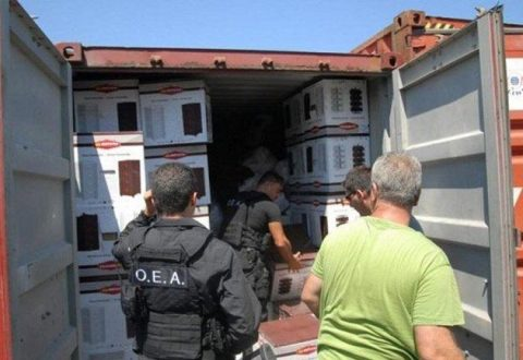 Ndalohet kamioni me armë dhe municione në Greqi, arrestohet shoferi