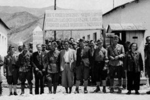 Rrëfimi i historianes angleze: Enver Hoxha do vritej në nëntor 1944. Ja kush e shpëtoi