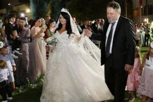 """""""Ngarkesë e madhe"""", Stefi Prifti tregon çfarë i ndodhi dy orë para dasmës së të bijës"""