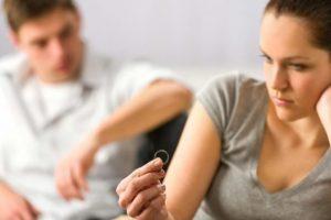 Divorcet në rritje, boom padish për pension ushqimor, ekspertët: Duhet VKM për minimumin jetik për fëmijët