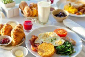 Pesë arsye pse nuk duhet ta lini mëngjesin pa ngrënë