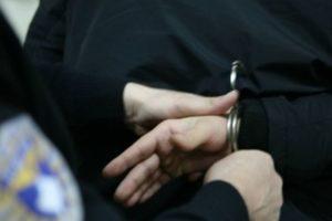 Mashtrim dhe dhunë në familje, arrestohen në flagrancë dy persona në Vlorë dhe Sarandë