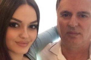 Humbje e madhe në familjen e Encës, këngëtares i vdes i ati në moshë të re