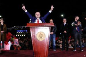 """""""Ultimatumi prej dy javësh për shpërndarje Parlamenti"""", çfarë shkruan DW për manifestimin e thirrur nga Meta"""