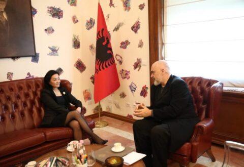Zbardhet takimi i ambasadores amerikane me Ramën, çfarë i kërkoi Yuri Kim kryeministrit (Njofton takim me Bashën)