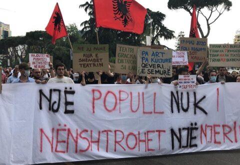 """""""Rama ik""""! Aleanca dhe opozita sërish në shesh, peticion: Teatrin e duam aty ku ishte dhe siç ishte"""