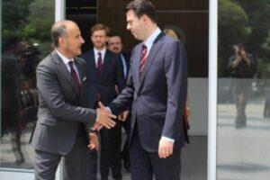 Protestat dhe Reforma Zgjedhore/ Basha dhe aleatët e PD takim 90 minutësh me Soreca-n dhe ambasadorët e vendeve të BE