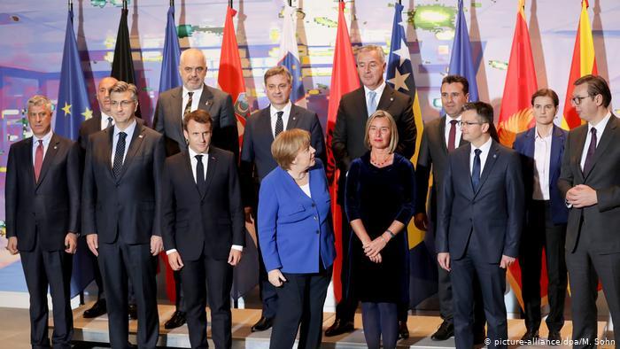 """""""T'u tregojmë vendin elitave të korruptuara të Ballkanit Perëndimor"""", analiza në DW: BE duhet ta rishikojë urgjentisht politikën e saj"""