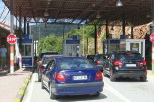 Pas Kakavijës, bie sistemi edhe në Kapshticë. Çfarë po ndodh me kufijtë, kushtet që duhet të plotësojnë të huajt për të hyrë në Shqipëri