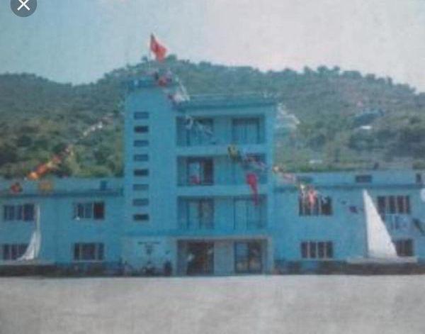 Më 4 shtator 1961 në Pashaliman hapi dyert Akademia e Detarisë e Flotës Luftarake Detare.