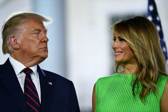"""""""Ushtarët e vdekur janë idiotë""""/ Deklarata e Trump shkakton polemika në SHBA, Melania i del në mbrojtje"""