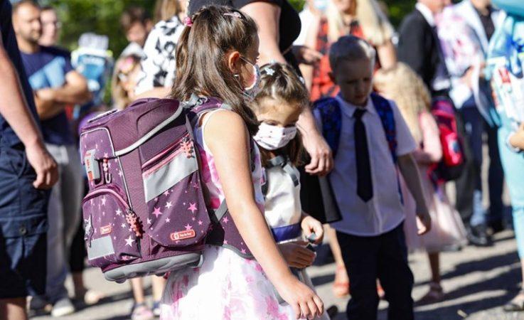 Shifrat rekord të Covid-19, Franca detyrohet të rimbyllë disa shkolla