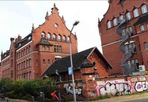 """Sulmohet me """"molotov"""" Instituti për Sëmundjet Infektive në Gjermani"""