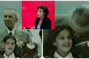 Nga puthja e Enver Hoxhës, te vrasja e babait dhe arratisja nga Shqipëria, kush është ministrja e re e Jashtme e Kosovës