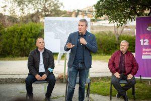 Damian Gjiknuri, takim me banorët e ish- Fabrikës së Çimentos. Me PD në pushtet, Vlora zhduket nga harta e investimeve