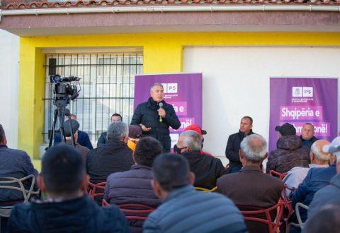 Damian Gjiknuri takim me banorët e fshatit Trevllazër/ Në Qarkun e Vlorës janë investuar 1 miliard euro në 8 vjet
