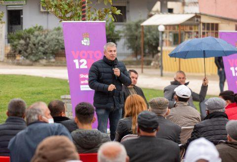 Gjiknuri e Sinaj takim me banorët e Selenicës/ Me Rrugën e e Lumit të Vlorës realizuam një ëndërr Sinaj: Vota për Partinë Socialiste është votë pro zhvillimit dhe ekonomisë suaj/     të banorëve