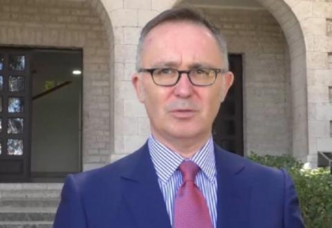 Ambasadori italian: Ne bëjmë tifo për popullin shqiptar, jo për parti politike, atmosfera e fushatës është e ngjashme me atë në Itali por nuk më pëlqen dhuna