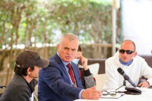 Drejtuesi politik i qarkut të Vlorës për Partinë Demokratike Bujar Leskaj ka konsumuar një kafe me persona me aftësi ndryshe.