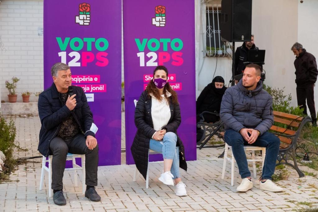"""Kandidatja Pranvera Resulaj takon banorë të lgj.""""Pavarësia"""" Resulaj-Mandati i 3-të është për cdo qytetar shqiptar"""