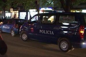 Aksident në Vlorë/ Makina përplaset me motorin, dy të plagosur.
