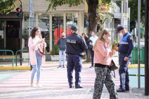 Nga heqja e maskës te shkurtimi i orës policore, si pritet të ndryshojnë masat anti-Covid! Sot vendimi i Komitetit të Ekspertëve